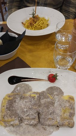 Ravioli al tartuffo e spaghetti alla carbonara