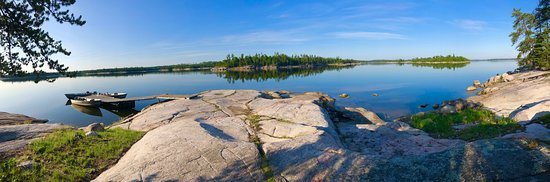 Nestor Falls, Canada: Peaceful mornings with the loons calling off in the distance.