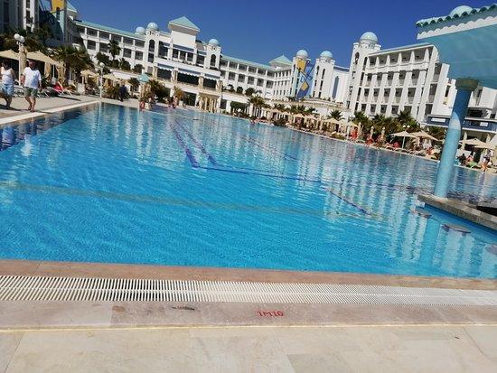 Hotel a bazén...krása