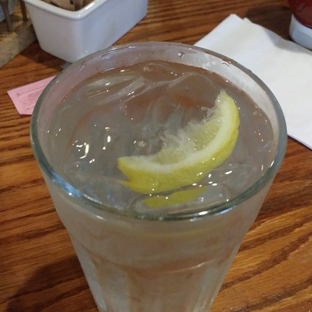 Cracker barrel southern hospitality of lemon with water