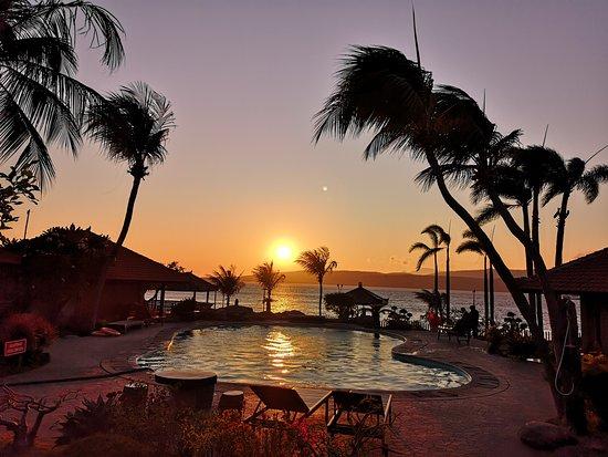 Hotel yang nyaman d tepi pantai