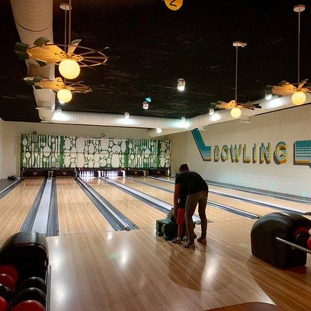 Bowling , billiards