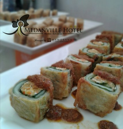 Spicy Egg Roll with Vegetable