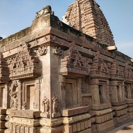 Alampur, Indie: Inside and outside the temples. Not functional anymore