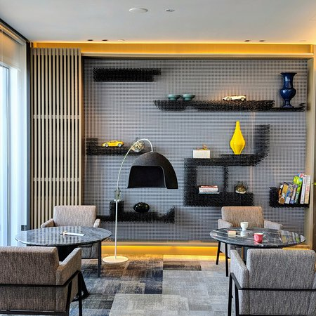 The Living Room, Executive Lounge (Swissotel The Stamford Singapore).