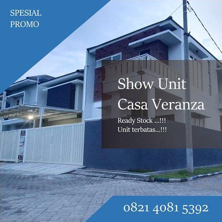 New desain terbaik dari Casa Veranza dengan luas bangunan 97 m2 mampu memberikan kenyamanan dan kebahagiaan bagi keluarga anda, Perumahan Casa Veranza perumahan yang terletak di pusat kota sidoarjo dengan kualitas bangunan yang sangat baik dan memiliki lokasi yang sangat setrategis dan memiliki akses yang sangat mudah.