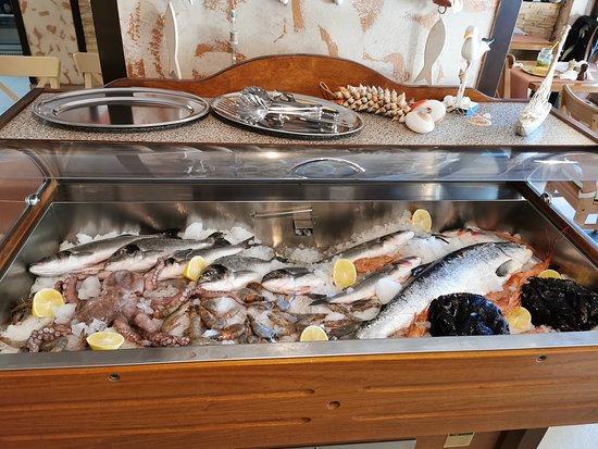 Slatina, Romania: Fresh fish!!! Best in Town!!!