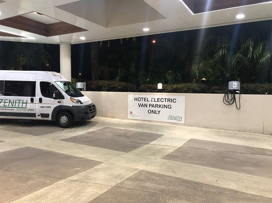 Electric shuttle to and from airport