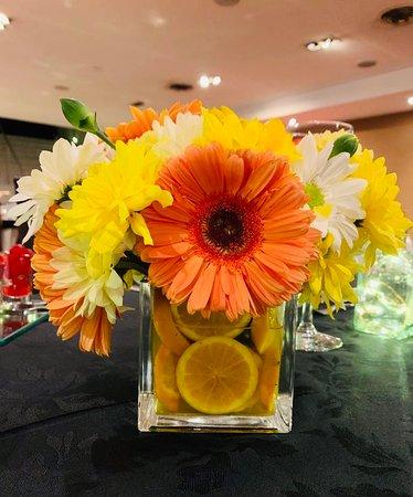 Centro de mesa del Restaurante Orquídea de noche de jueves, noche de sushi...