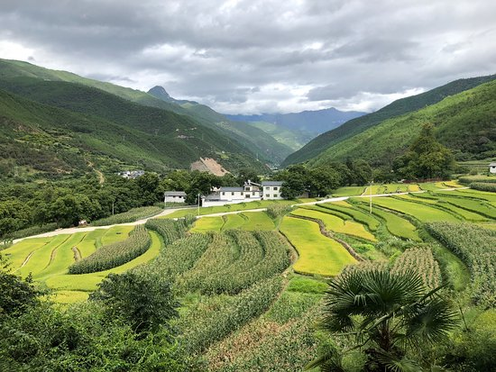 Weixi County, Kina: View from our balcony at Songtsam Tacheng.