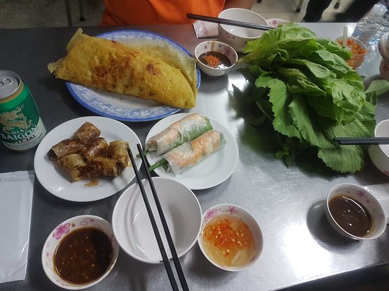Bahn Xeo and Spring Rolls