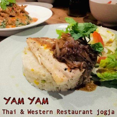 Fish Steak onion sauce at YAM YAM Thai & Western Restaurant Yogyakarta  #foodpotography #instafood #kulinerjogja #jogjacarimakan #jogjafoodhunter #jogjacurinary #thebestintown #jogja24jam #prawirotaman #makanenakjogja #makanjogja #restaurantjogja #restaurantyogyakarta #thairestaurantjogja #thairestaurantyogyakarta #makananthailandjogja #yamyamrestaurantjogja #yamyamjogja #yamyamyogyakarta #thaifoodjogja #yogyakuliner
