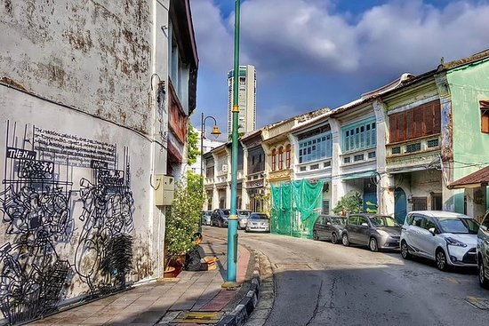 An Unmissable Wander Through George Town: Private Tour: Penang Georgetown Heritage Tour
