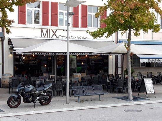 MIX - Cafe & Cocktail Bar