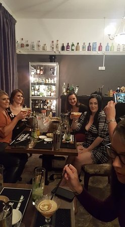 Hen group Oct 2019 - experiencing the new 'cocktail making class' at Juniper Tap/Tap and atonic Grantham