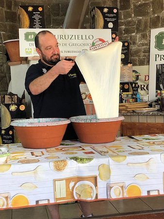 Farm experience & tastings with Limoncello & Mozzarella Making Show: Mozarella in the making