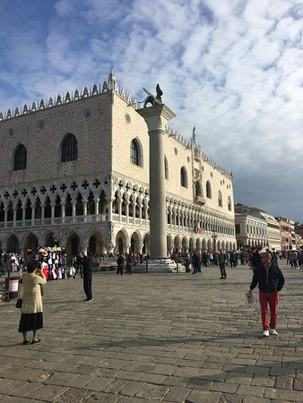 Legendary Venice St. Mark's Basilica and Doge's Palace Group or Private Tour: Doge's PalaceSt Mark's Square