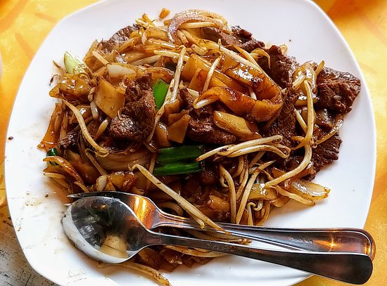 Stir Fried Rice Noodles With Sliced Beef In Soy Sauce Picture Of One Dim Sum Amsterdam Tripadvisor