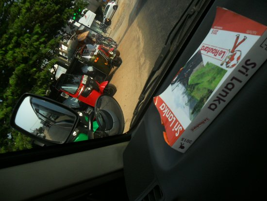 Sri Lanka 2015 Isuru Dinesh meilleur chauffeur Francophone Sri Lanka