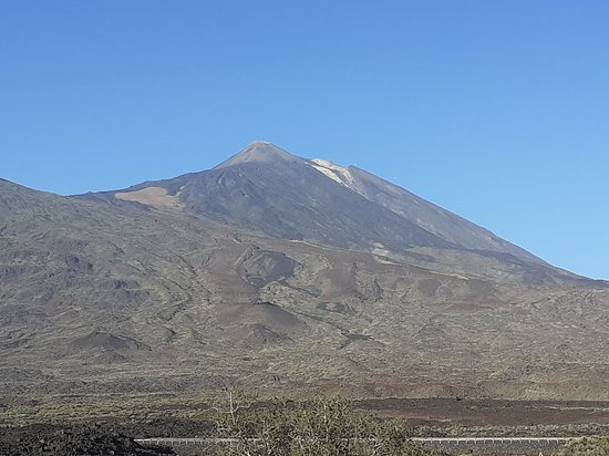Sunset & Stargazing Experience in Teide with a Glass of Cava: Teide beckons