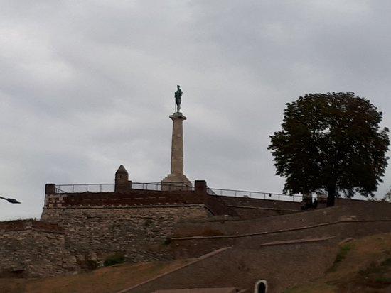 Βελιγράδι, Σερβία: памятник Победителю.