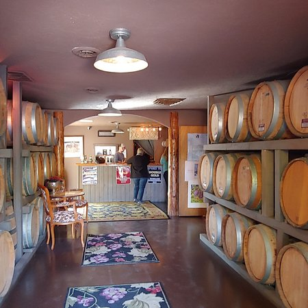 Cute little winery.  Only port, but DELICIOUS!!
