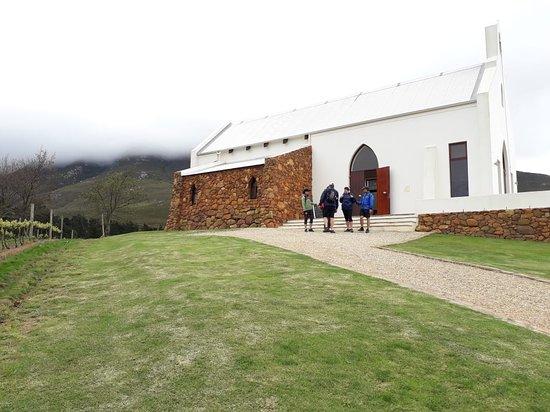 OVERBERG WINE WALK (2 people): Wine walk guided by Africansunroad