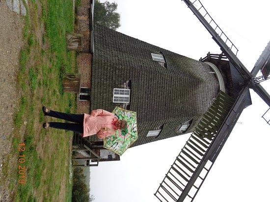 Piękny wiatrak muzeum Kulturmühle - Benz