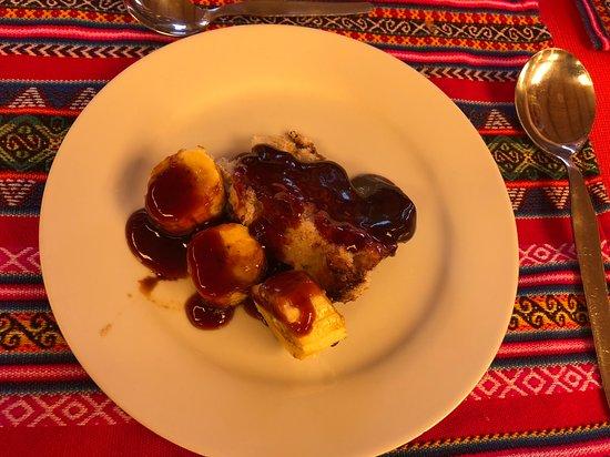 Sicuani, Peru: Dezerty v restauraci Parador Turistico Feliphon