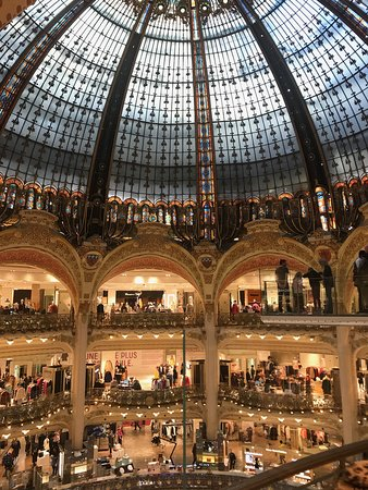 Paris VIP Shopping Experience with Lounge Access, Lunch and Transfer: wow
