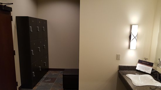 Men's Changing Area