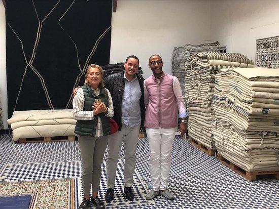 Region Marrákeš Tánsíft al-Húz, Maroko: The famous rugs showroom in marrakesh Bazar Du Sud ..soooo chic