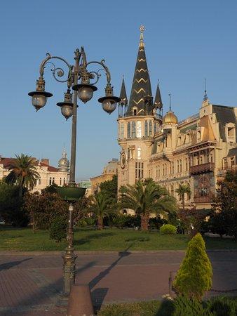 Batumi - Europa Plein - Gebouw met astronomische klok