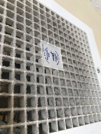 This is the filthy air vent.  If you have allergies do not stay here!