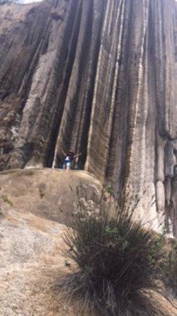 Esta area es casi el final de la cascada vista de un lado