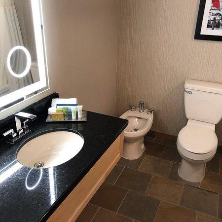 5. WashBasin & Countertop  Toilet