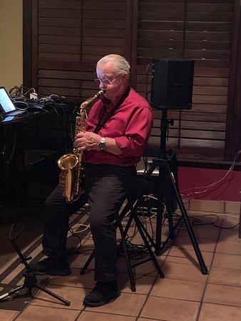 Paul Hoce saxophonist