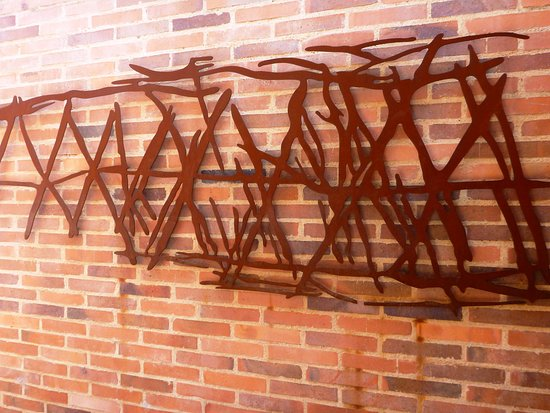 Symbolic sculpture
