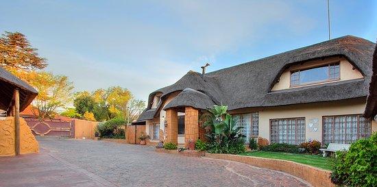 Kempton Park, Jihoafrická republika: The entrance to the guest House very Safe with plenty of parking