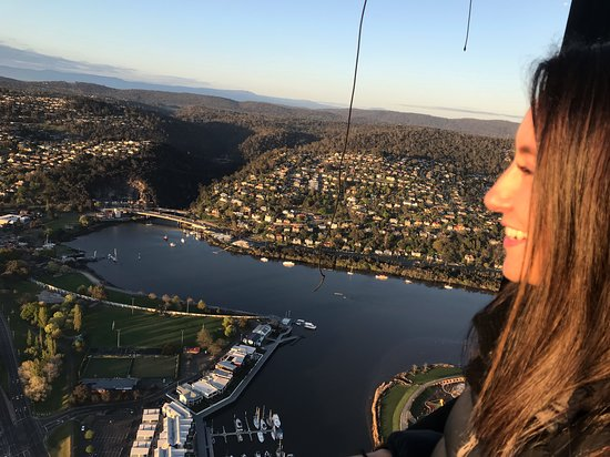 ‪Hot Air Balloon Tasmania‬