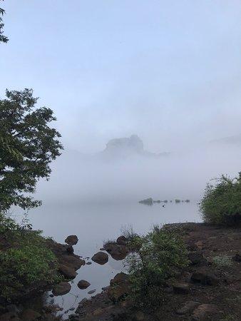 פונה, הודו: Devkund trek