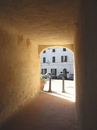 Verso piazza Barcaroli
