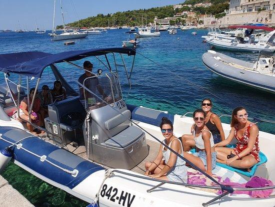 Speed boat Maestral - Private Hvar Tour 2 - Pic 2
