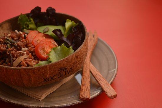 Ofrecemos a diario distintas ensaladas y sopas. Vegetariano, vegano y/o sin gluten
