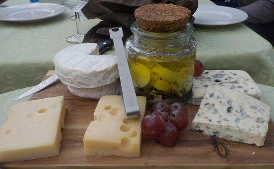 Belgentier, Frankrike: Un plateau de fromage qui donne envie