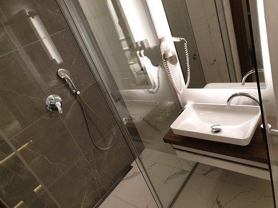 Фотография Room 25 Executive Rooms & Suites