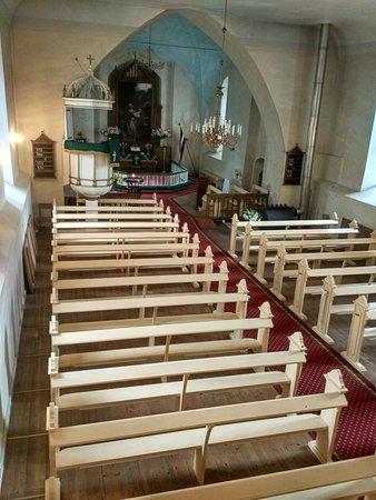 в этом здании, построенном в прошлом веке - орган, собранный из трех, один из которых звучал в старом здании