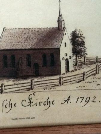 Sigulda Evangelic Lutheran Church: историю храма можно проследить по фото на стенах звонницы