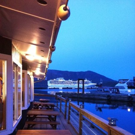 Best Cruise ship watching location