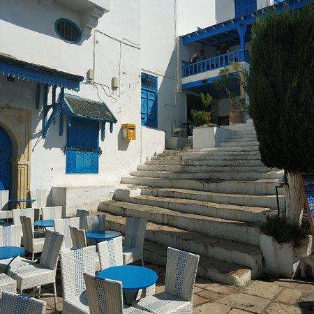 Sidi Bou Said, Tunisia: Город художников. Колоритное место. Красивые виды.